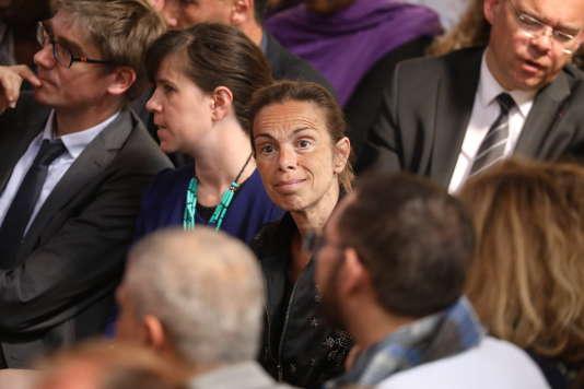 Agnès Saal (au centre), en mai à Paris.