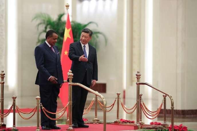 Les présidents chinois, Xi Jinping, et congolais, Denis Sassou-Nguesso, à l'issue du Forum Chine-Afrique, à Pékin, le 5septembre 2018.