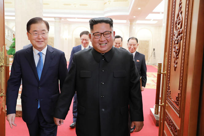 Le président nord-coréen Kim Jong-un lors d'une rencontre avec un émissaire du président sudiste Moon Jae-in, le 5 septembre 2018 à Pyongyang.
