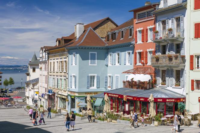 Le charme coloré des rues piétonnes d'Evian.