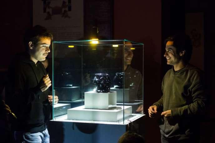 Gael García Bernal et Leonardo Ortizgris dans «Museo», réalisé par Alonso Ruizpalacios et produit par YouTube.