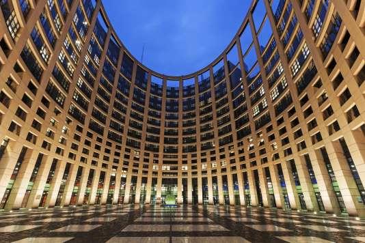 « Le risque plane d'une paupérisation de la création et d'une fragilisation de son écosystème, déjà précaire» (Parlement européen, Strasbourg).
