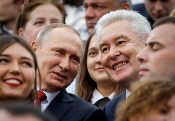 Le président russe, Vladimir Poutine, et le candidat à sa réelection à la mairie de Moscou, Sergueï Sobianine, en septembre 2016.