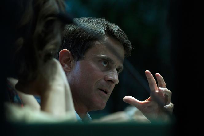L'ancien premier ministre Manuel Valls présentaità Barcelone le 6 septembre l'essai «Anatomía del procès» (Ed. Debate, non traduit), dont il a écrit la préface.