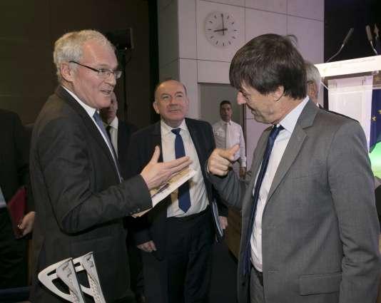 Echanges entre Nicolas Hulot, alors ministre de la transition écologique et Jean-Bernard Lévy, le PDG d'EDF, au siège du Medef en décembre 2017.