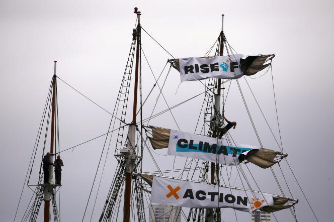 Mobilisation dans le port de Sidney.