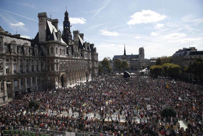 Entre 18 500 et 50 000 personnes se sont rassemblées à Paris, samedi 8 septembre.