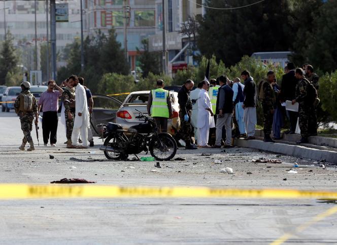 L'explosion, qui a fait trembler les immeubles alentours et exploser leurs carreaux, a tué au moins sept personnes et fait une vingtaine de blessés.