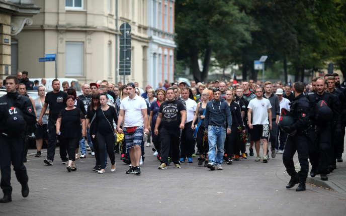 Manifestation de partisans de l'extrême droite, à Köthen, le 9 septembre.