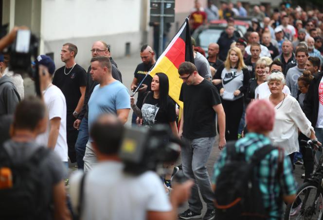 A une manifestation organisée par l'extrême droite, à Köthen (Allemagne), le 9 septembre.