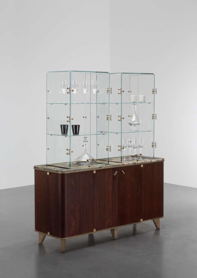Cabinet Monocle en marbre, bois de rose, verre, parchemin et bronze, David/Nicolas (2016).