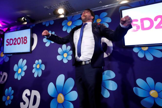 Le leader des Démocrates de Suède, Jimmie Åkesson, célèbre les résultats de son parti aux élections, à Stockholm, le 9 septembre.