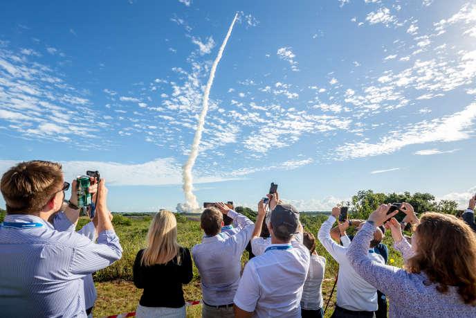 Lancement d'une fusée Ariane 5 emportant quatre satellites du système Galileo depuis Kourou (Guyane), le 25 juillet.