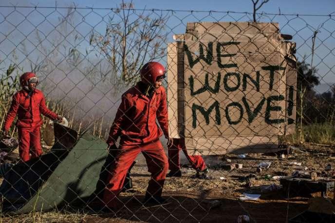 Expulsion d'une petite communauté d'un terrain contesté dans Capital Park, à Pretoria, le 20 juillet 2017.