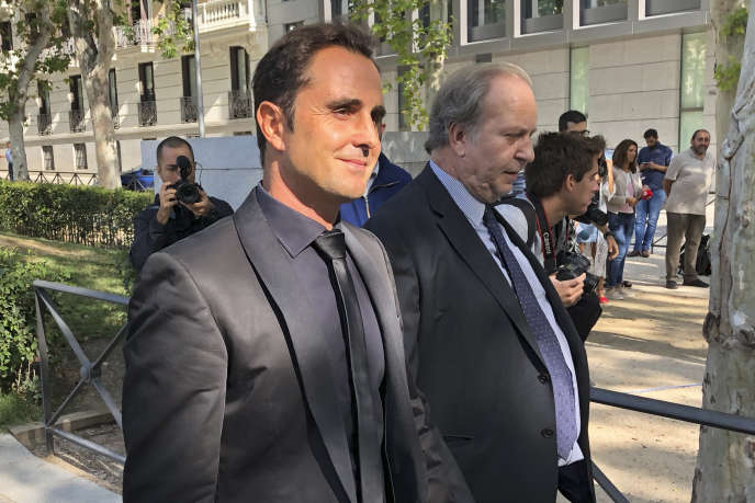 La « liste Falciani » avait ainsi permis d'identifier dès 2009 au moins 127000comptes appartenant à 79 000personnes de 180nationalités dont le puissant banquier Emilio Botin en Espagne.