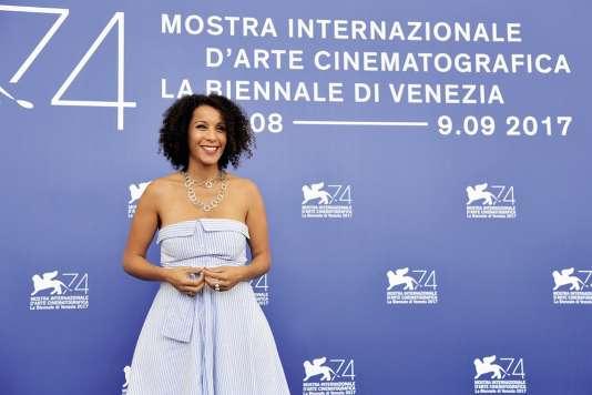 Sofia Djama (à la Mostra de Venise en 2017), cinéaste plébiscitée à l'étranger mais peu soutenue en Algérie.