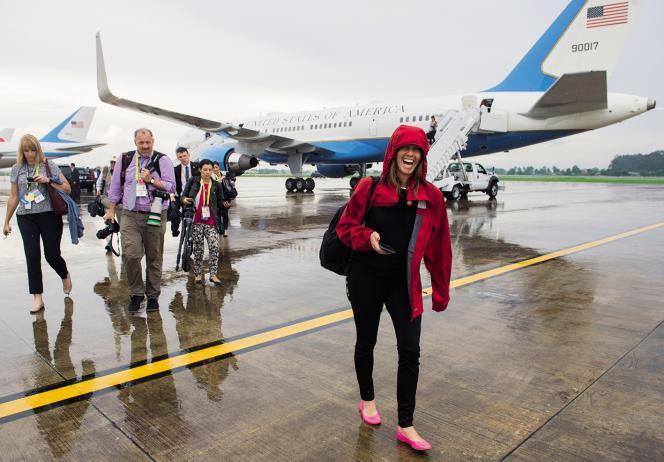 Rebecca Dorey-Stein lors d'un déplacement au Laos en 2016, avec Barack Obama.