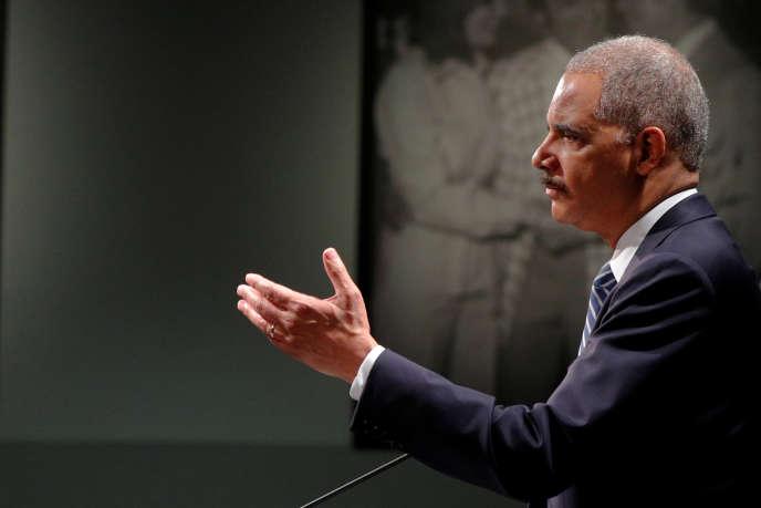 L'ancien ministre de la justice des Etats-Unis, Eric Holder, à Manchester (New Hampshire), le 1er juin.