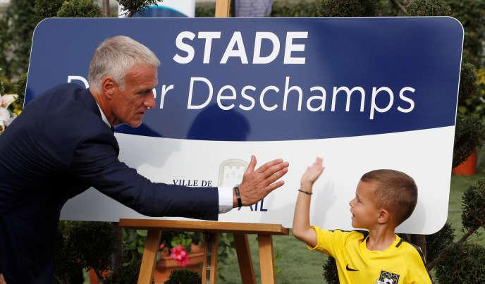 Le sélectionneur Didier Deschamps inaugure un stade à son nom, mecredi12 septembre, au Cap-d'Ail.
