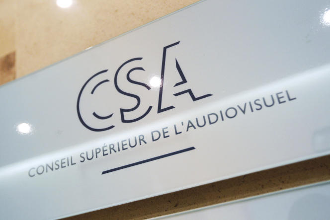 En décembre 2019, le Conseil supérieur de l'audiovisuel (CSA) avait adressé une mise en demeure à CNews, lui demandant de respecter ses obligations, notamment en termes d'incitation à la haine et à la violence, après des propos de sa vedette Eric Zemmour.