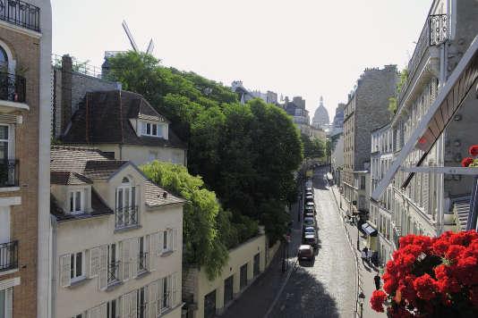 «Dans Paris intra-muros, le taux de cadres acheteurs va de 58% dans le 12earrondissement à 75% dans le 8earrondissement (Le quartier de la Butte Montmatre, dans le 18earrondissement de Paris).