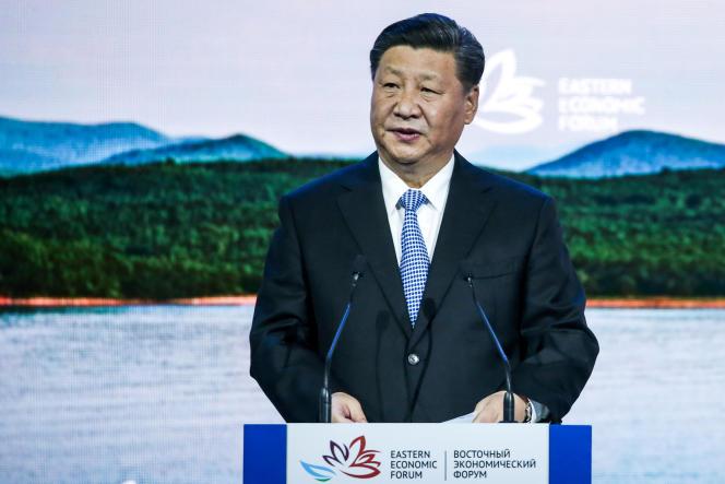 «Aujourd'hui, alors que le président Xi Jinping concentre plus de pouvoirs que n'importe quel dirigeant depuis Mao, chaque responsable, chaque institution est d'abord et avant tout à son service» (Xi Jinping le 12 septembre durant le Forum économique oriental, à Vladivostok, en Russie).