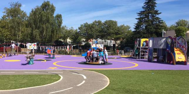 Le 3 septembre, l'école maternelle Michel-de-Montaigne à Trappes (Yvelines) a ouvert avec une nouvelle cour de récréation « non genrée ».