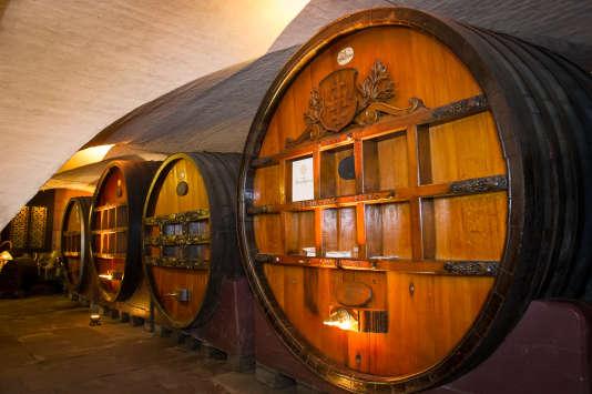 La Cave historique des hospices, créée en 1395, servait à stocker du vin mais aussi de denrées périssables.