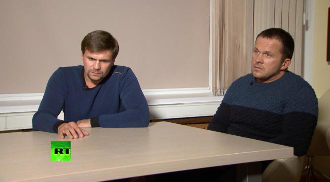 Les deux suspects russes, Alexandre Petrov et Rouslan Bochirov, au cours de leur interview par la chaîne Russia Today, le 13 septembre.