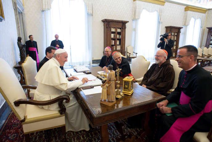 Le pape François avec les représentants de la conférence des évêques américains, le13 septembre 2018, à Rome.