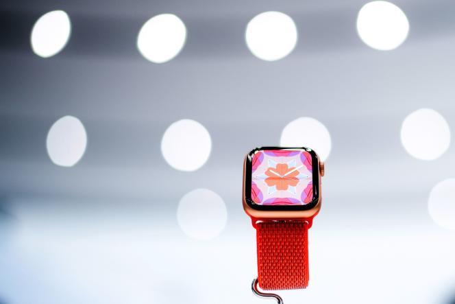 L'Apple Watch Serie 4 en présentation lors de son lancement, au siège d'Apple, à Cupertino, le 12 septembre.