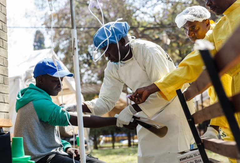 Dans le centre de traitement du choléra de l'hôpital Beatrice, à Harare, le 11 septembre 2018.