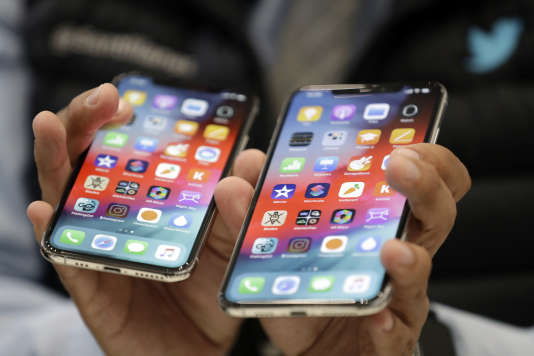 Les iPhones Xs et Xs Max, en présentation au siège de la société Apple, à Cupertino (Californie), le 12 septembre.