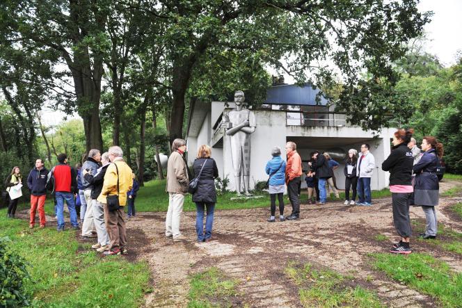 Vue extérieure de la maison-atelier du sculpteur grec Philolaos àSaint-Rémy-lès-Chevreuse (Yvelines).