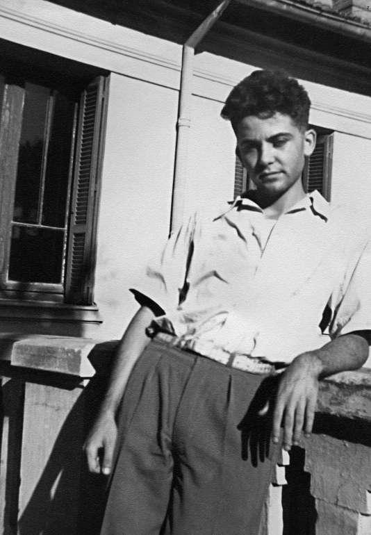 Photo de Maurice Audin prise dans les années 1950. Ce jeune professeur de mathématiques à l'université d'Alger, militantcommuniste et anticolonialiste, a été arrêté en 1957 par des miliatires français et a disparu sans que les circonstances de sa mort aient jamais été officiellement établies.