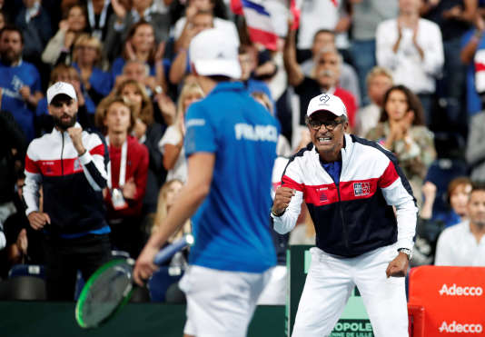 Une victoire, et les Bleus de Paire, Pouile et Noah seront en finale de Coupe Davis.