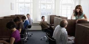 L'open space, chacun dans sa boîte, les conversations entre collègues... La belle vie !