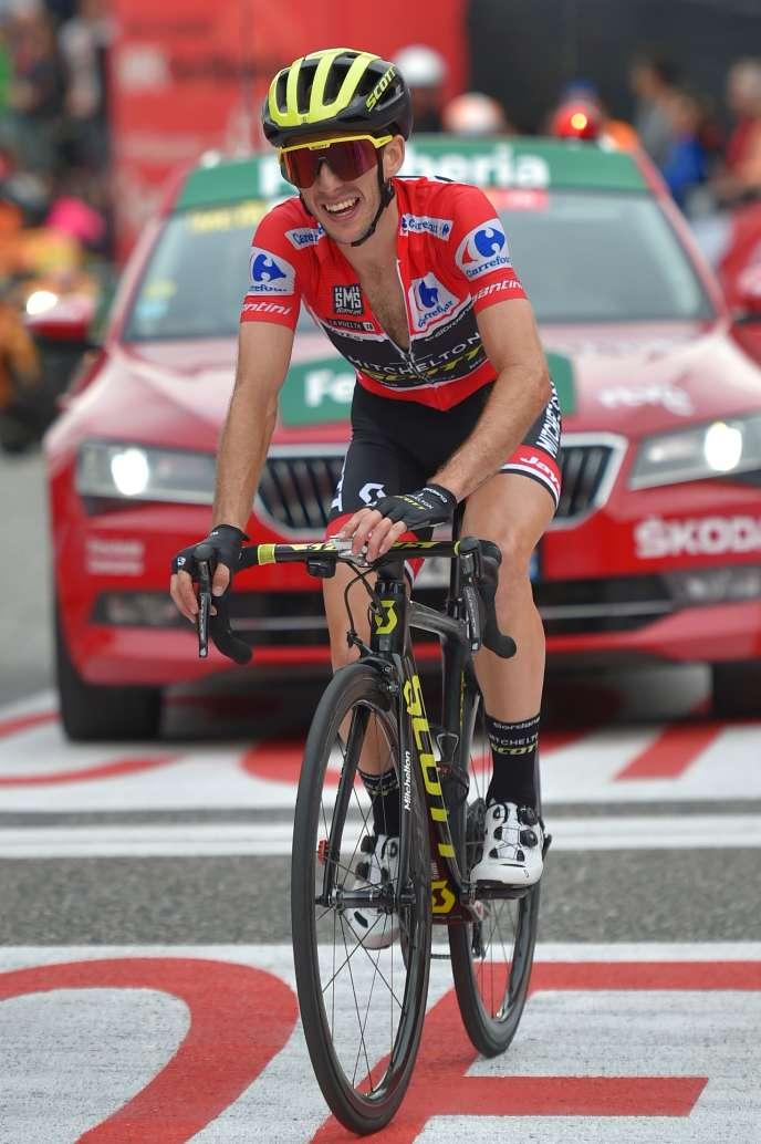 Simon Yates à l'arrivée de l'étape, samedi15 septembre, au sommet du col de la Gallina (Andorre).