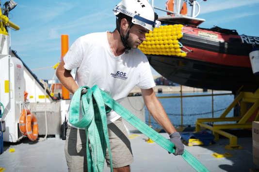 L'équipage de l'«Aquarius» avant le départ à Marseille, le 15 septembre.Ici Antonin Richard, pilote de canot de sauvetage pour SOS Méditerranée.