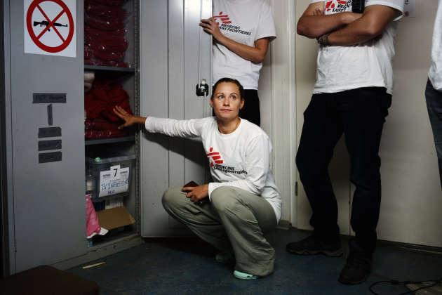 L'équipage, constitué par Médecins sans frontières et SOS Méditerranée, se forme, le 13 septembre, à différents scénarios en vue de secours imminents de personnes en mer. Nina Egger est l'une des trois infirmières qui participeront à la prochaine mission de sauvetage.