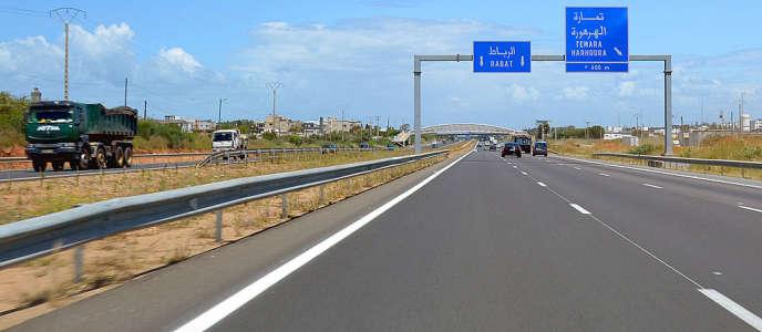 L'autoroute vers Rabat, au Maroc.