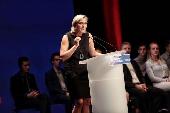 Marine Le Pen à Fréjus (Var), dimanche 16 septembre.