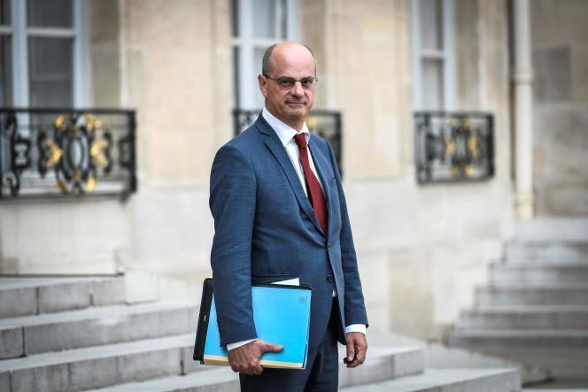 Le ministre de l'éducation Jean-Michel Blanquer à la sortie d'un conseil des ministres à l'Elysée le 31 août.
