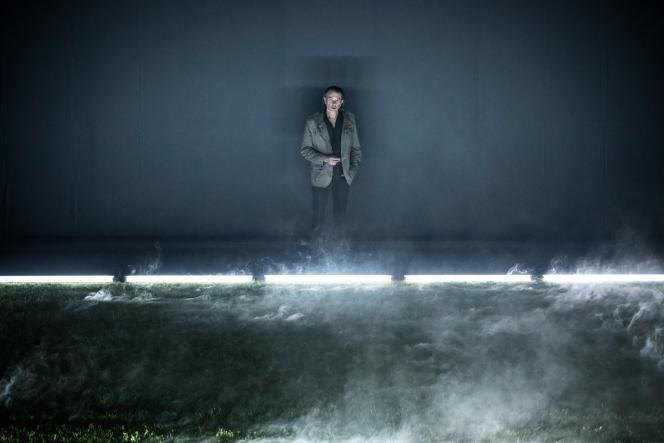 Laurent Sauvage dans «Le Père», adapté et mis en scène par Julien Gosselin d'après«L'Homme incertain»,de Stéphanie Chaillou, à la MC93 de Bobigny.