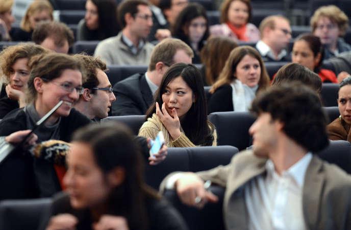 Lors d'une conférence à l'Ecole nationale d'administration à Strasbourg, en décembre 2013.