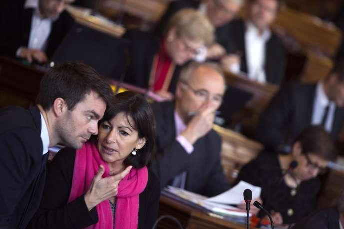 Anne Hidalgo et Bruno Julliard lors d'une séance du Conseil municipal de Paris, en mars 2013.