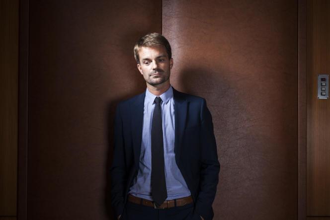 Bruno Juillard, dans son bureau de l'hôtel de Ville de Paris, le 13 septembre.