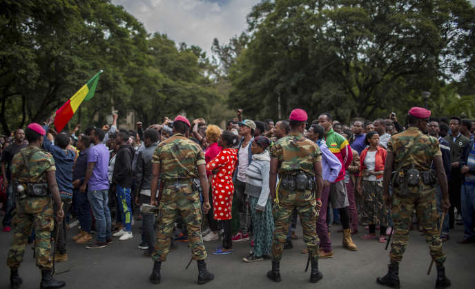 Des milliers d'Ethiopiens ont manifesté le 17 septembre 2018 dans les rues d'Addis-Abeba pour protester contre les attaques à caractère communautaire survenues l'avant-veille dans la banlieue de la ville, faisant plus de 20 victimes.