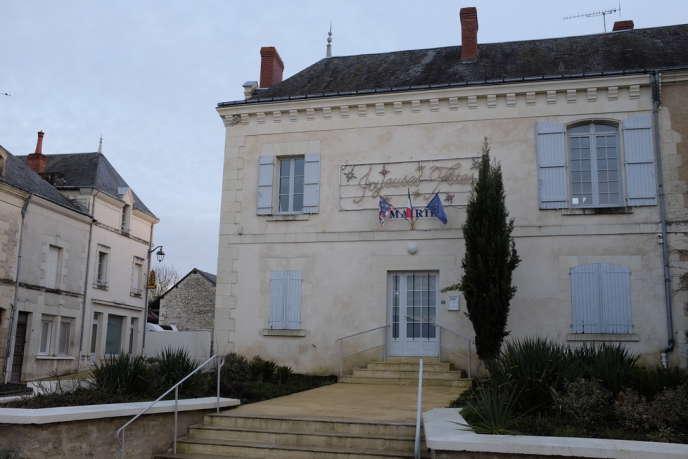 En 2016, Maurice Talland, le maire de Jaulnay (Indre-et-Loire), a eu l'idée de rouvrir la boulangerie sous forme associative.