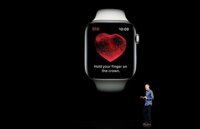 L'annonce des fonctions d'alerte cardiaque de l'Apple Watch le 12 septembre au siège d'Apple, à Cupertino (Californie).